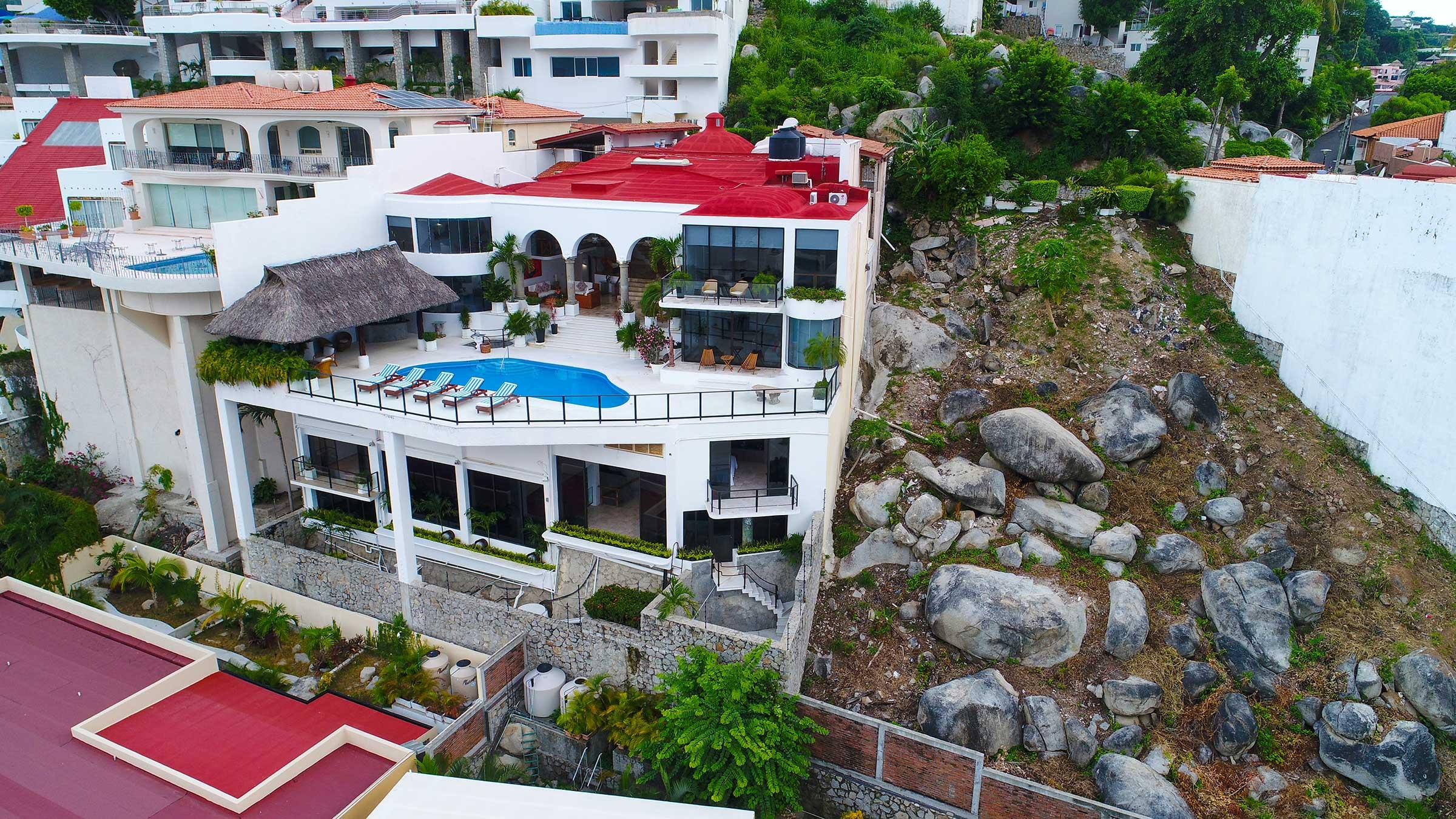 Casa Buenos Aires y lote adyacente, Acapulco