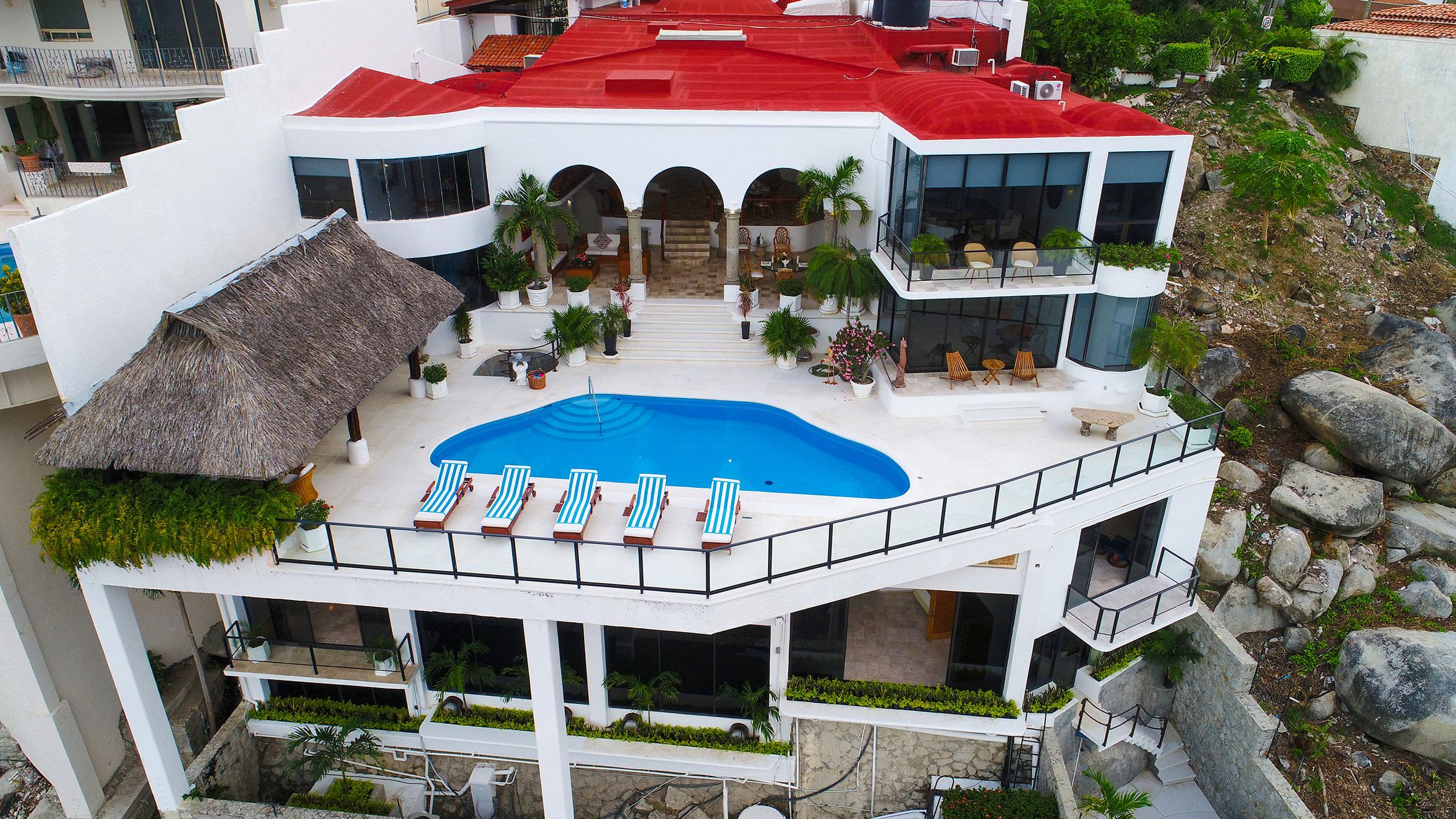 Exterior day at Casa Buenos Aires, Acapulco