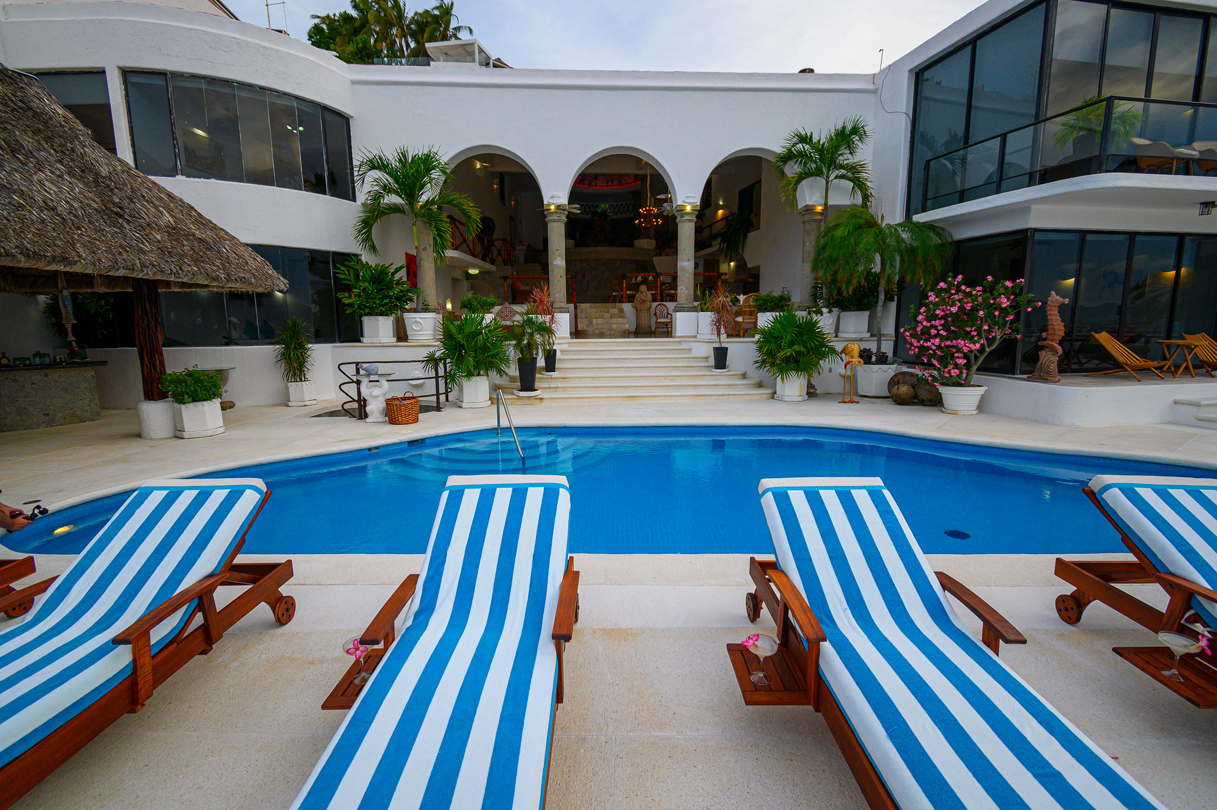 Área de piscina en Casa Buenos Aires, Acapulco